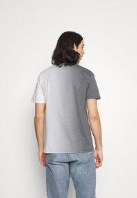 Jack & Jones - JORNEWSET TEE CREW NECK - Camiseta estampada - ombre blue - 2