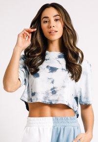 Chelsea Peers - Print T-shirt - off-white - 3