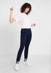 s.Oliver - SHAPE - Jeans Slim Fit - blue denim - 1