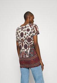 Desigual - BENIN - Camiseta estampada - offwhite - 2