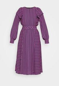 Cras - BETTYCRAS DRESS - Denní šaty - pink/black - 4