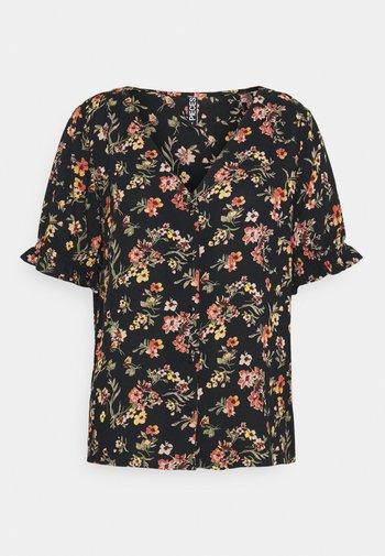 PCCARLA - T-shirts med print - black
