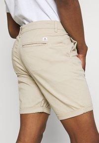 Jack & Jones - JJIDAVE 2 PACK - Shorts - white pepper - 4