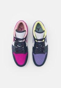 Jordan - AIR 1 SE - Sneakersy niskie - thunder blue/white/healing orange/cactus flower/pink glaze - 5