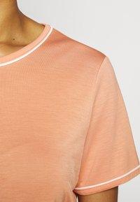 Bruuns Bazaar - KATKA ALICIA TEE - T-shirt basique - coral - 5