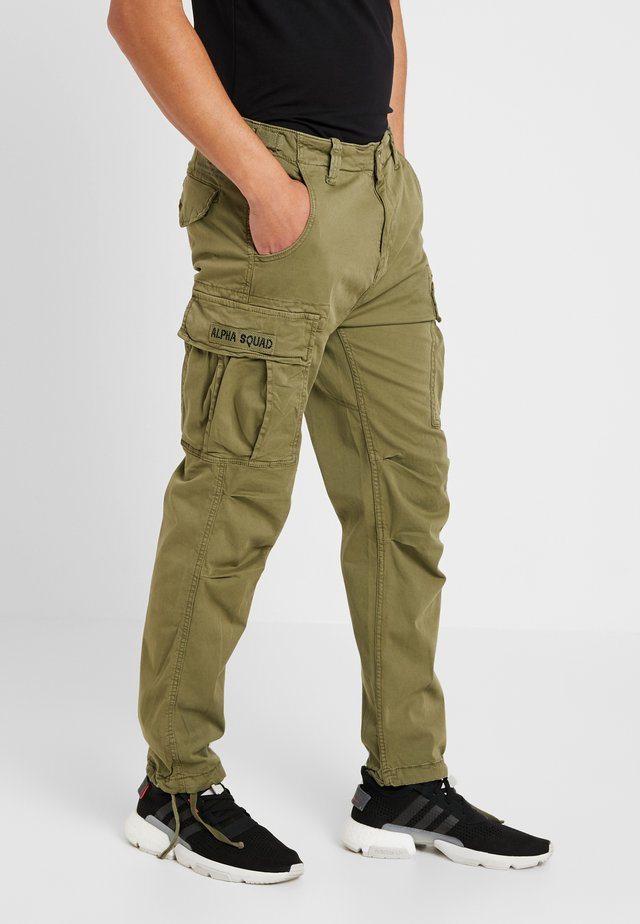 SQUAD - Pantalon cargo - olive