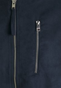 Jack & Jones - JJFLAKE  - Bomber Jacket - navy blazer/faux suede - 2