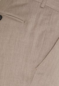 Selected Homme - SLHSLIM MYLOBILL STRUCTURE SUITE - Traje - sand - 6