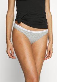 Calvin Klein Underwear - 2 PACK - Alushousut - grey heather - 1