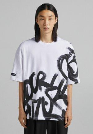 OVERSIZED - T-shirt print - white