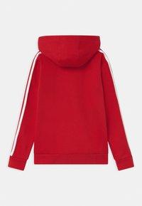 adidas Originals - HOODIE UNISEX - Sweatshirt - scarle/white - 1