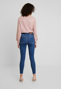 Vero Moda - VMSANDRA - Jeans Skinny Fit - medium blue denim - 2