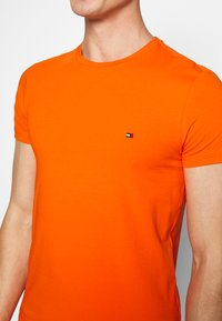 Tommy Hilfiger - T-shirt basic - orange - 4