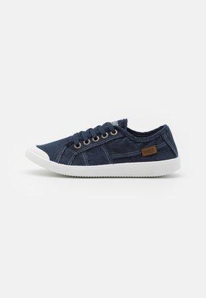 VEGAN VESPER - Sneakersy niskie - navy