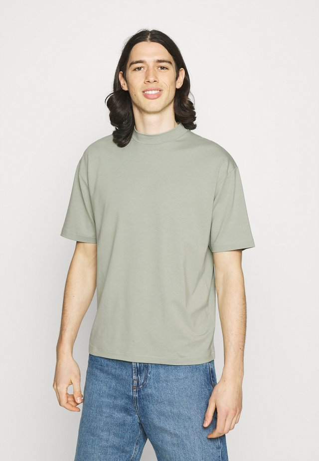 MOCK NECK RELAXED - T-shirt basic - green