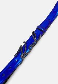 KARL LAGERFELD - SIGNATURE SPARKLE BELT - Gürtel - blue - 3