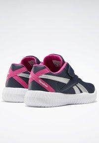 Reebok - FLEXAGON ENERGY 2 ALT SHOES - Chaussures de running neutres - blue - 6