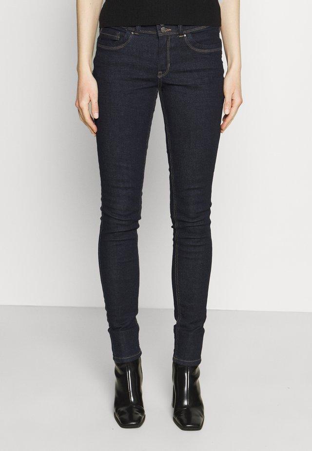 JONA - Skinny džíny - rinsed blue denim
