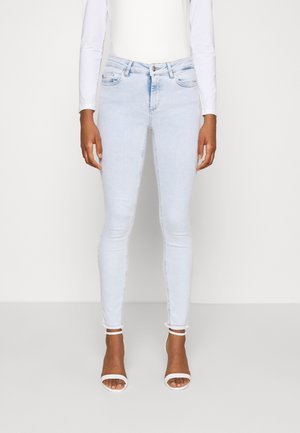 ONLBLUSH LIFE MID RAW  - Skinny džíny - light blue
