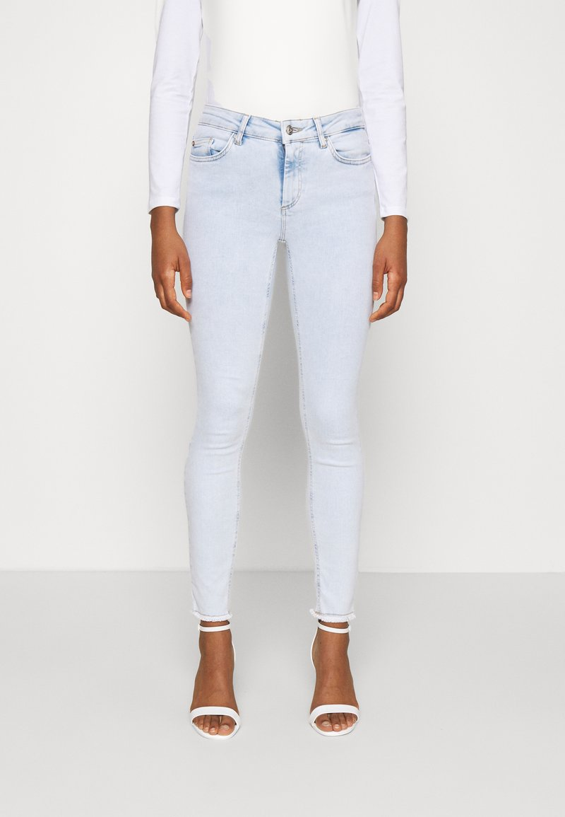 ONLY - ONLBLUSH LIFE MID RAW  - Jeans Skinny Fit - light blue