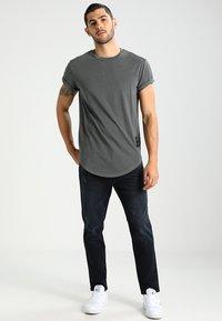 G-Star - SWANDO RELAXED - Basic T-shirt - asfalt - 1