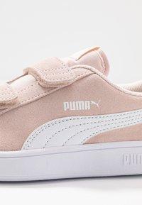 Puma - SMASH - Sneakers basse - rosewater/white - 2