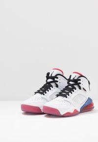 Jordan - MARS - Basketbalové boty - white/black/university red/rush blue - 3