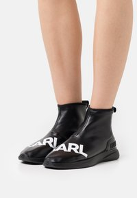 KARL LAGERFELD - FINESSE LEGERE STRETCH - Ankle boots - black - 0