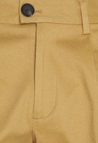 Jack & Jones PREMIUM - JJIBILL JJBRAD CROPPED - Trousers - beige - 2