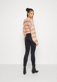 Le Temps Des Cerises - Slim fit jeans - black/blue - 2