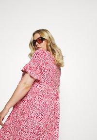 Simply Be - FRILL SLEEVE SMOCK DRESS - Jersey dress - pink - 3