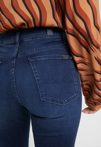 7 for all mankind - THE STRAIGHT  - Straight leg jeans - bair park avenue - 5