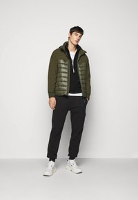 C.P. Company - OUTERWEAR MEDIUM JACKET - Lehká bunda - ivy green - 1