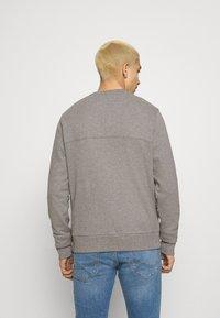 Calvin Klein - SMALL CHEST LOGO - Sweatshirt - grey - 2