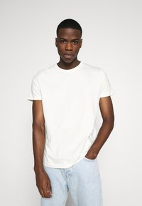 Burton Menswear London - SHORT SLEEVE CREW 3 PACK - Basic T-shirt - off white/navy/dusty - 2
