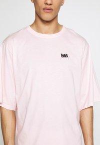 Martin Asbjørn - TEE - T-shirts - pink - 5