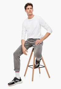 s.Oliver - Trousers - grey - 3