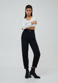 PULL&BEAR - PAPERBAG - Jeans baggy - black - 1