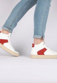 Blackstone - Höga sneakers - white - 2