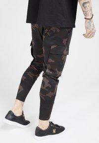SIKSILK - ATHLETE PANTS - Teplákové kalhoty - dark - 2