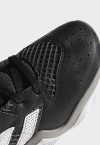adidas Performance - HARDEN STEPBACK SHOES - Basketbalschoenen - black - 6
