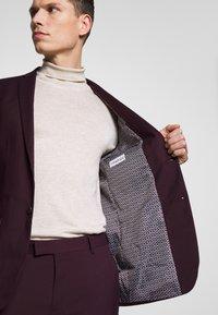 Limehaus - SUIT SLIM FIT - Kostym - bordeaux - 10