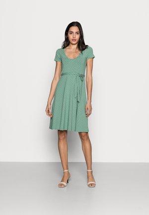 SALLY DRESS FRESNO - Trikoomekko - opal green