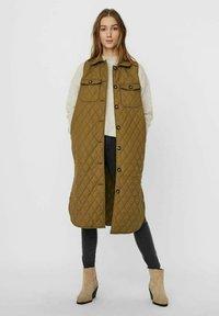 Vero Moda - Waistcoat - lizard - 1