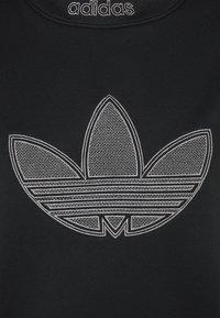 adidas Originals - LOGO CREW - Sweatshirt - black - 2