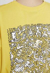 Even&Odd - Print T-shirt - ochre - 5