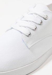 YOURTURN - Trainers - white - 5
