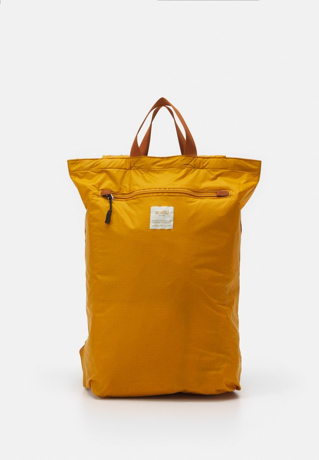 SIMPLE TOTE BACKPACK - Rugzak - mustard