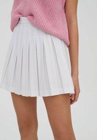 PULL&BEAR - Spódnica trapezowa - white - 4