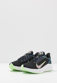 Nike Performance - ZOOM WINFLO  - Zapatillas de running neutras - black/vapor green/valerian blue - 2